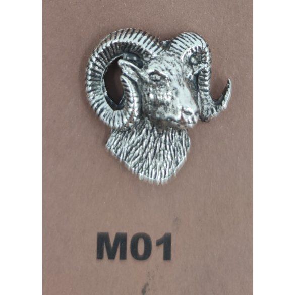 Kalapkitűző M01