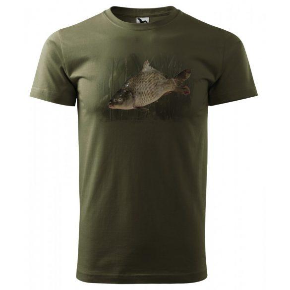 T-Shirt mit buntem Karpfenbild