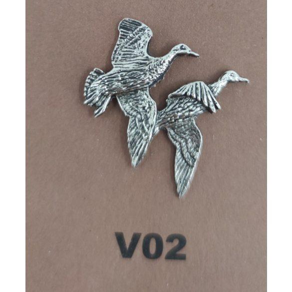 Kalapkitűző V02